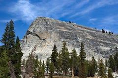 对Lembert圆顶的看法在优胜美地国家公园美国 免版税图库摄影