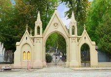 对Lychakiv公墓的入口 库存图片