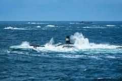 对Lyngdalsfjord的看法与海标记在挪威 图库摄影