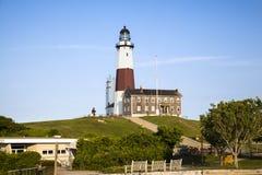 对Montauk灯塔的入口 免版税库存图片