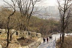 对N汉城塔的楼梯 免版税库存图片