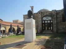 对Namik凯末尔的纪念碑在法马古斯塔,北塞浦路斯 诗人,新闻工作者 免版税库存图片