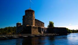 对Olavinlinna城堡,萨翁林纳,芬兰的看法 免版税库存照片