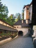 对Orava城堡,斯洛伐克的主闸 免版税库存照片