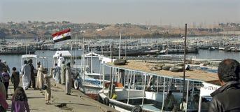 对Philea寺庙的小船  免版税图库摄影