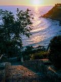 对Playa Carrizalillo的台阶在日落 库存照片