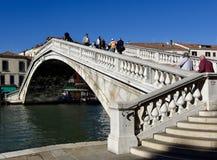 对Ponte degli Scalzi的台阶 库存图片