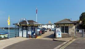 对Swanage码头多西特英国英国的入口 库存图片