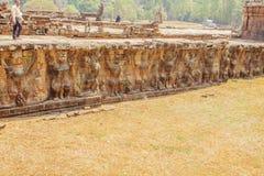 对Ta Prohm寺庙,吴哥城,暹粒,柬埔寨的损坏的入口 库存图片