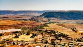 对Thaba Bosiu文化村庄,马塞卢,莱索托的鸟瞰图 免版税库存图片