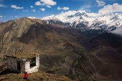 对Thorong La通行证,喜马拉雅山,尼泊尔的看法 免版税库存照片