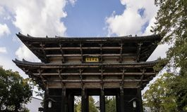 对Todaiji寺庙的入口门在奈良,日本 库存图片