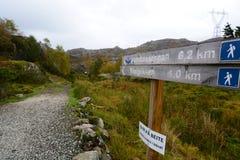 对Trollpikken的路 Eigersund自治市 罗加兰县 挪威 库存照片