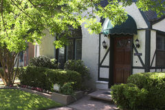 对tudor的入口家庭风格 库存照片