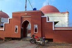 对Ulugh可汗Jahan的陵墓的入口在Bagerhat,孟加拉国 库存照片