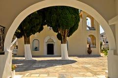 对Zoodochos Pigi修道院,萨莫斯岛,希腊的门 库存图片