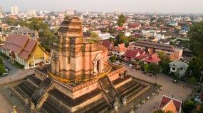 寺庙佛教徒破坏从天空的看法 免版税库存照片