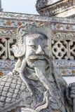 寺庙卫兵雕象在黎明寺 免版税库存照片