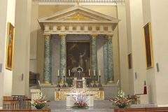 寺庙和法坛在大教堂大教堂在维尔纽斯,立陶宛 免版税库存图片