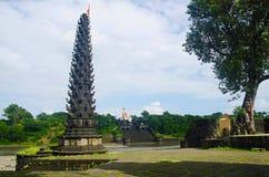 寺庙和Deepmaal, Mahuli Sangam,萨塔拉,马哈拉施特拉的看法 免版税库存图片