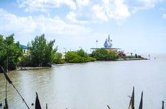 寺庙在海 免版税库存图片
