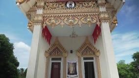 寺庙在酸值苏梅岛的Wat Khunaram在泰国股票英尺长度录影 影视素材