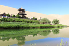 寺庙在隔壁滩在Dunhang 免版税图库摄影