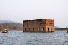 寺庙在水中 免版税库存照片