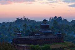 寺庙在Mrauk U考古学区域,缅甸 免版税库存图片