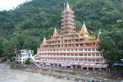 寺庙在Rishikesh。 库存图片