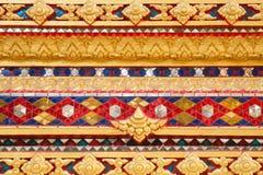 寺庙墙壁五颜六色的灰泥  免版税库存照片