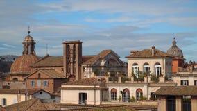 寺庙多彩多姿的屋顶和圆顶在罗马 股票录像