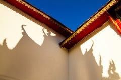 寺庙屋顶的阴影 免版税库存图片