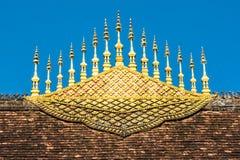 寺庙屋顶装饰在琅勃拉邦 免版税库存照片