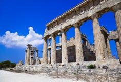 寺庙废墟在海岛Aegina,希腊的 免版税库存图片