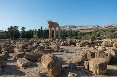 寺庙意大利, M的希腊人寺庙的铸工和北河三一 库存图片