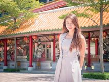 寺庙的女孩 免版税图库摄影