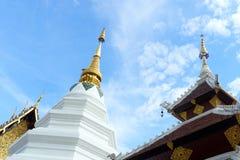 寺庙的屋顶在泰国是独特的 兰纳清迈的建筑学是超过700岁 免版税图库摄影