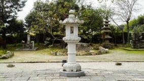 寺庙的灯Kaidan在 免版税库存图片