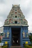 寺庙的美丽的屋顶有许多的神计算 库存图片