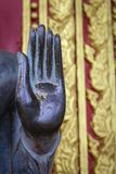 寺庙的老挝菩萨 库存照片