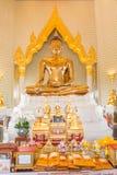 寺庙的金黄菩萨在泰国 免版税图库摄影