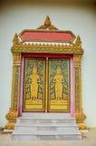 寺庙的门在Wat Phra的那Phanom声浪素林泰国 图库摄影