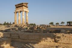 寺庙阿哥里根托西西里岛意大利欧洲的dioscuri谷的寺庙 库存图片