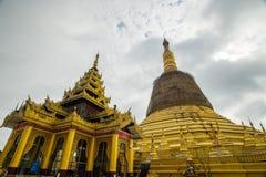寺庙bagan在日出, Bagan,缅甸 图库摄影