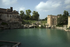 寺庙katas湖  图库摄影