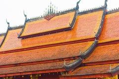 寺庙Wat Sensoukaram的屋顶在Louangphabang,老挝 特写镜头 图库摄影