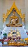 寺庙wat traimit的金黄菩萨在泰国 免版税库存照片
