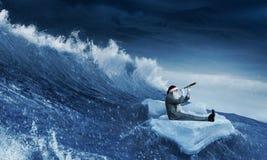 寻找方式的圣诞老人 混合画法 库存照片