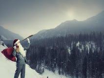 寻找方式的圣诞老人 混合画法 免版税库存照片